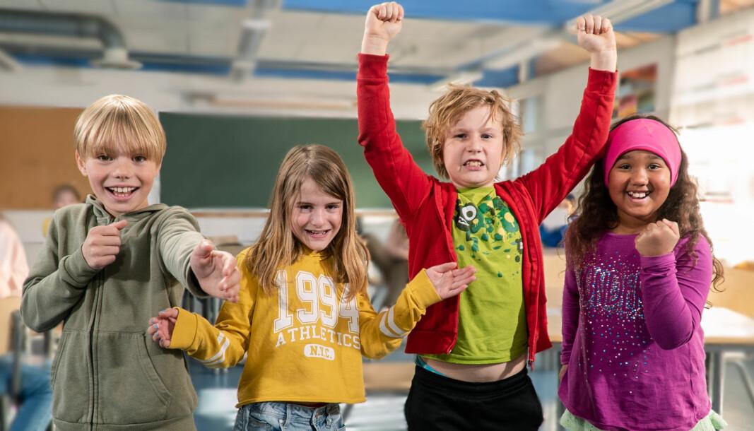 Barna i denne Tromsø-klassen har allerede fullført oppgavene, slik at andre elever kan se hva de har gjort.