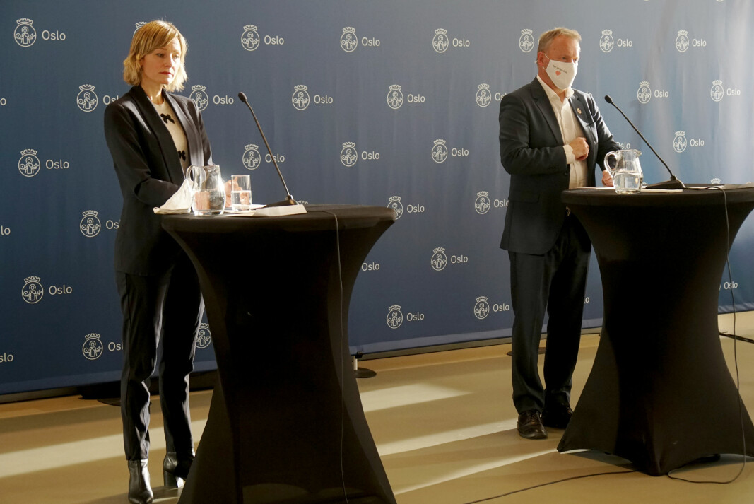 De nye strenge tiltakene skal foreløpig gjelde i tre uker, forklarte Inga Marte Thorkildsen og Raymond Johansen