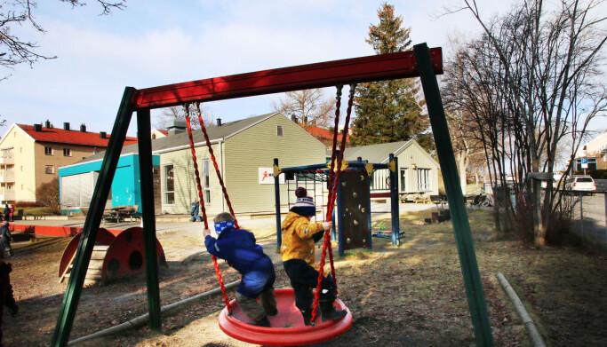 Trygge voksenpersoner er viktig i barnehagen.
