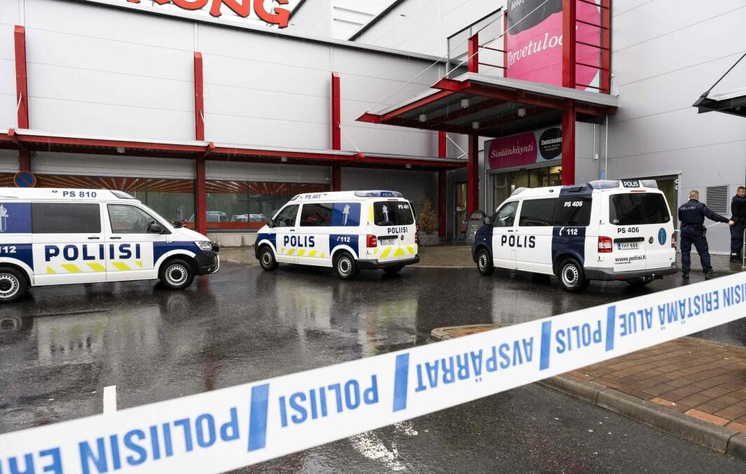 En person ble drept og ti såret, to av dem alvorlig, i en voldshendelse på en skole i Kuopio i Finland i oktober i 2019.