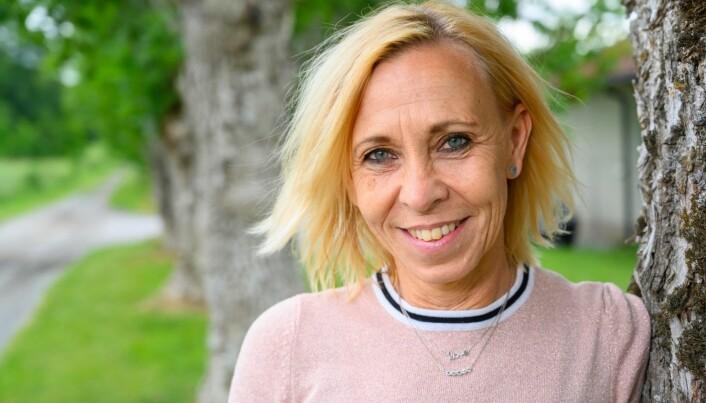 Rektor Marika Andersson ved Lövgärdesskolan i Göteborg. Hun mener skolen utgjør et viktig knutepunkt i arbeidet med å samordne ulike aktiviteter i innsatsen mot ekstremisme. Hun forteller at de ansatte ved skolen hele tiden er i dialog med andre aktører i nærområdet, for lettere å kunne lodde stemningen og for raskt å kunne sette inn tiltak. Foto: Sharon Raoufi