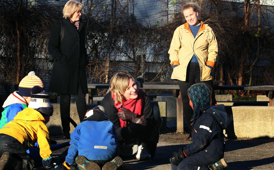 Barnehagestyrerne Målfrid Mediaas (t.v.) og Malin Olsen møtte byråd Inga Marte Thorkildsen.