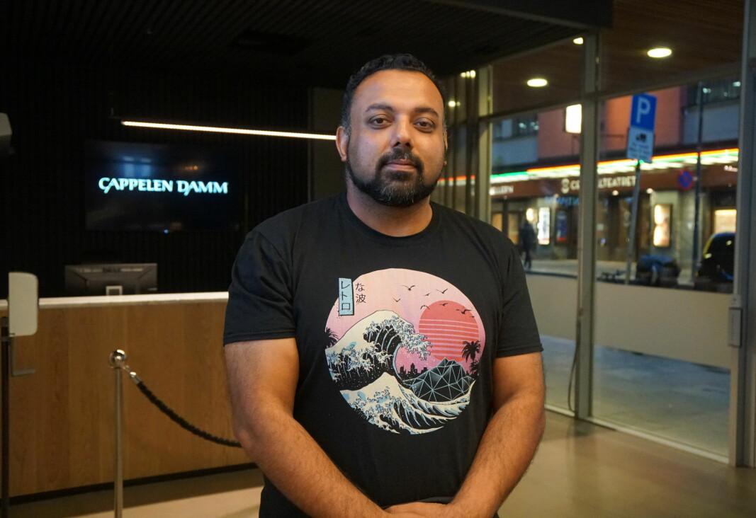 Lærer og forfatter Gulraiz Sharif har fått litteraturanmelderne til å juble. Nå kan boka bli film.