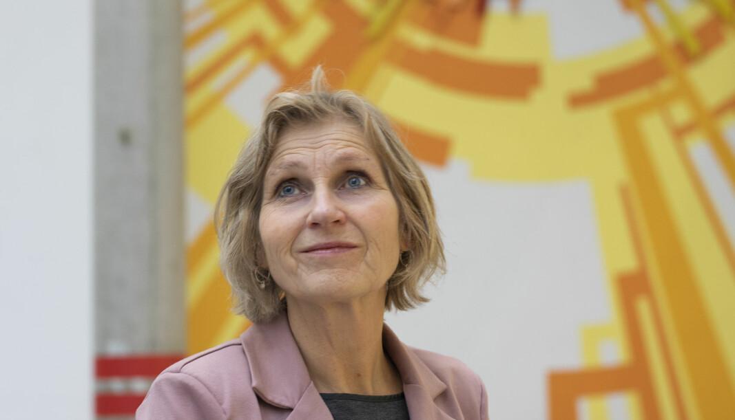 Når det er pedagogisk begrunnet kan lærere kreve at elevene skrur på kamera, mener rektor ved Drammen videregående, Kristine Novak.