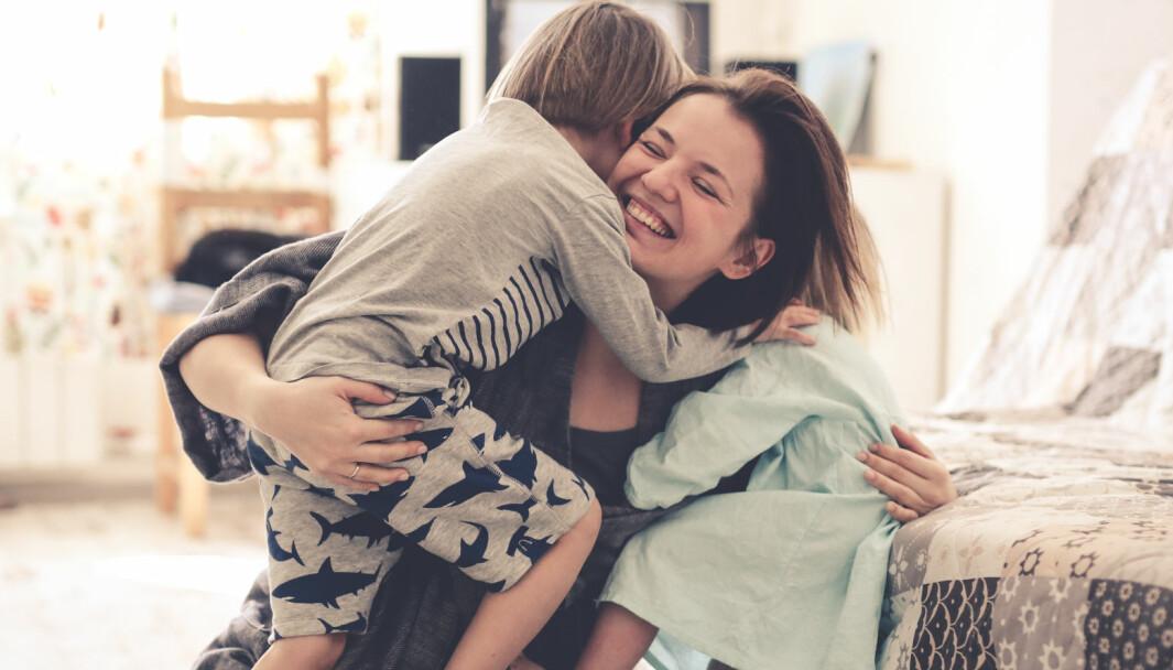 Barn trenger sensitive og varme voksne rundt seg, som justerer og er i stand til å reparere. Dette fordi de har kunnskap om gode relasjoner, mener styrer Linn Maria Hansen.
