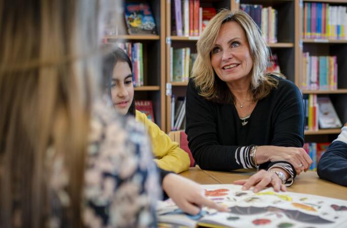 – Å lære å lese er så mye mer enn å lære å avkode bokstavsammensetninger, sier Ingeborg Anly, lærer ved Huseby skole i Oslo.