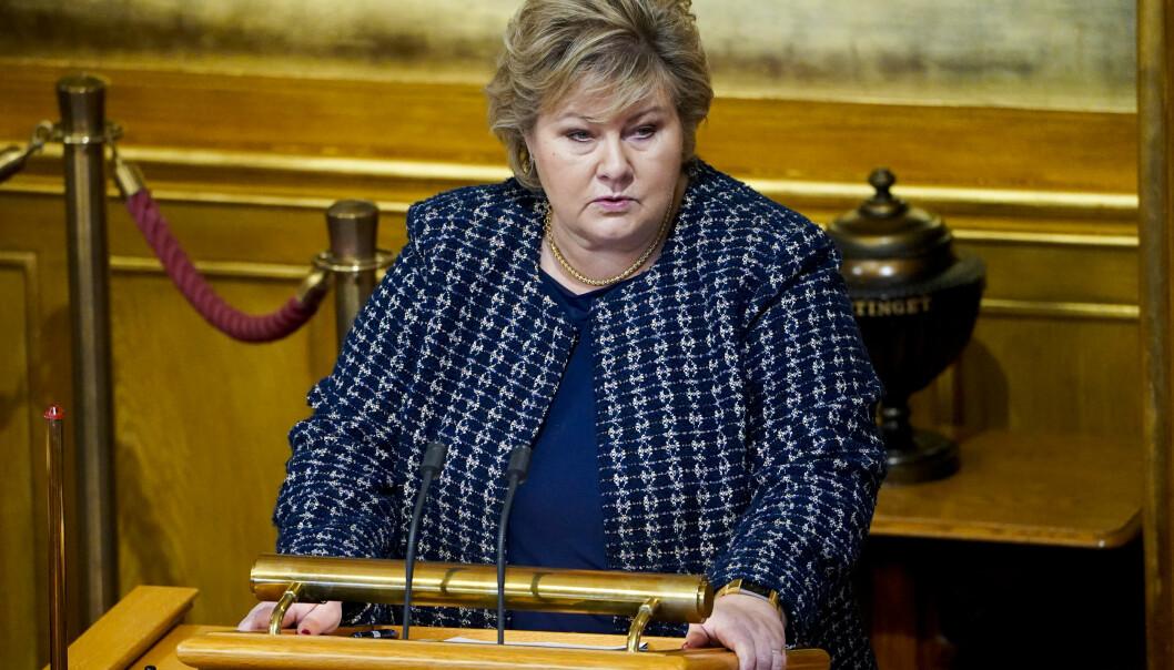Statsminister Erna Solberg (H) redegjorde for håndteringen av koronapandemien i Stortinget mandag.