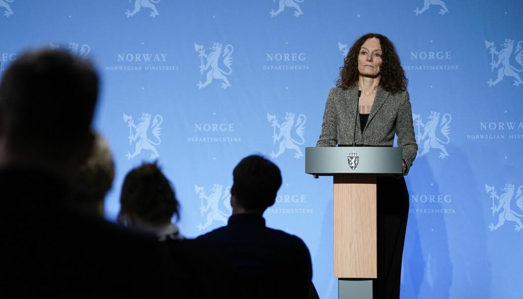 Folkehelseinstituttet skjerper smitteverntiltakene for ansatte i skolene i Oslo-regionen. Her ved direktør Camilla Stoltenberg under en tidligere pressekonferanse om koronasituasjonen.