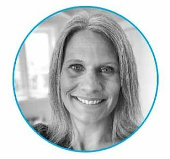 – Vi må ta vare på det som er bra fra begge verdener, både den analoge og den digitale, sier Monica Beckstrøm, forelder.