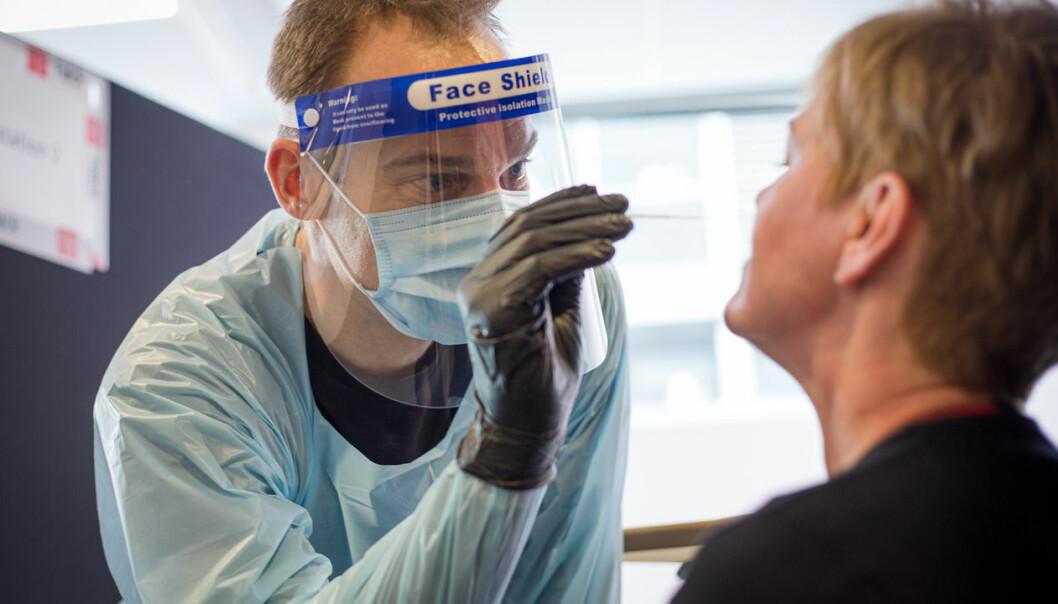 To ganger i uka kan danske lærere få sjekka om de er smitta av koronaviruset. I deler av landet vil testene bli utført av ansatte i selskapet Falck.