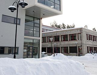 900 elever og ansatte i koronakarantene i Røyken