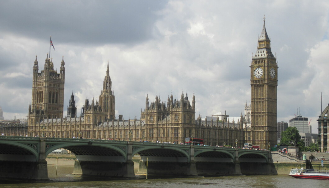 Skolene i London har vært stengt lenge, men nå skal elevene få komme tilbake.