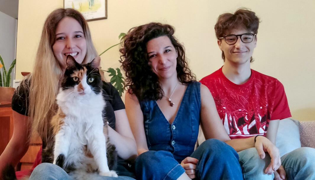 Med unntak av turer til butikken og parken har det vært hjemmeliv for familien Llosa-Altinger siden mars i fjor. Fra venstre: Sofia, Delfina og Lucas.
