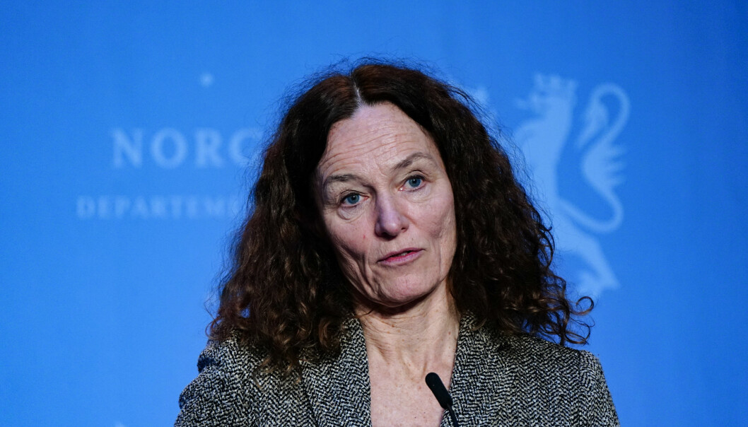 Direktør i Folkehelseinstituttet, Camilla Stoltenberg er bekymret for smittespredningen i skolene.