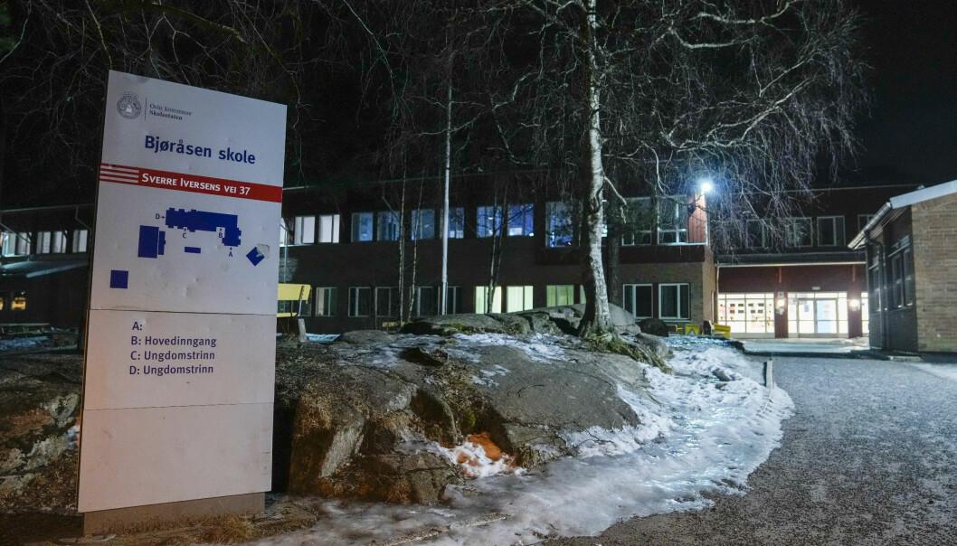 Bjøråsen skole i Groruddalen i Oslo er stengt på grunn av det store utbruddet av koronaviruset.