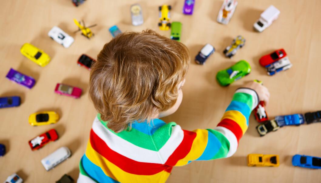 Å ta et barn som trenger ekstra hjelp ut av fellesskapet vil påvirke barnet livsmestring, selvfølelse og tilhørighet. Samtidig vil de andre barna lære ekskludering og utenforskap gjennom å erfare at dette settes i system av voksne, påpeker artikkelforfatterne.