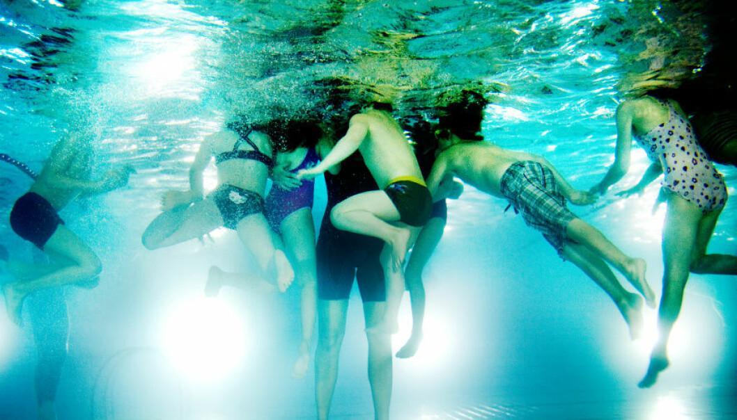 Svømming er et av fagene som mange skoler har hatt vansker med å gjennomføre som normalt på grunn av pandemien. Nå gir Kunnskapsdepartementet grønt lys for å avvike fra kompetansemålene også neste skoleår om nødvendig.