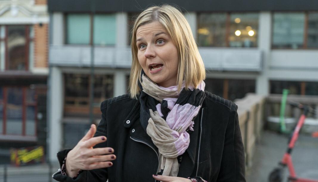 Kunnskapsminister Guri Melby avviser kritikken om nytt vurderingssystem.