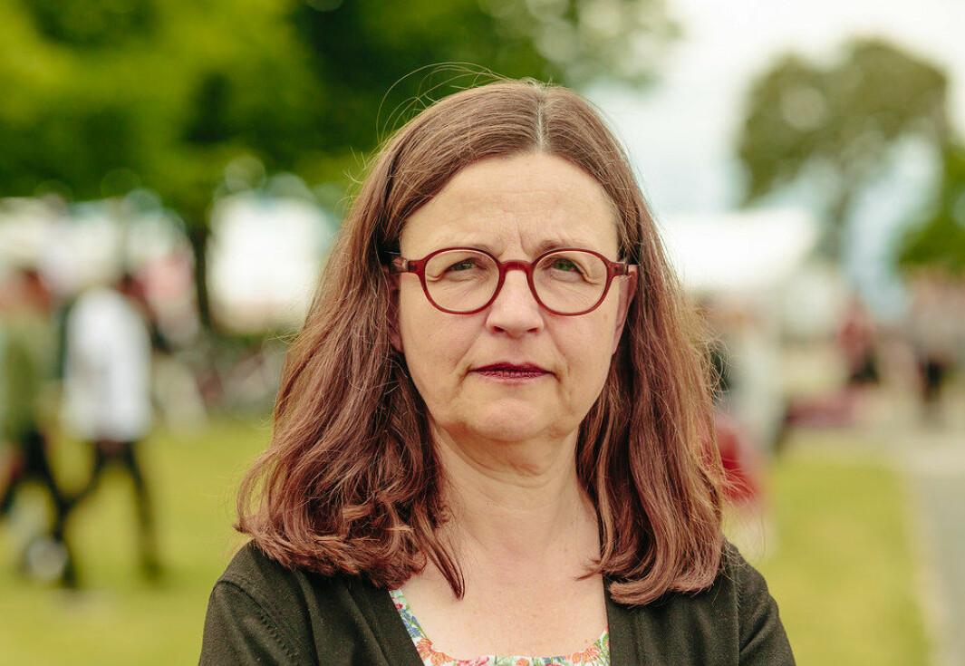 Sveriges utdanningsminister Anna Ekström anklages for å ha vært klar over feil i PISA-undersøkelsen.