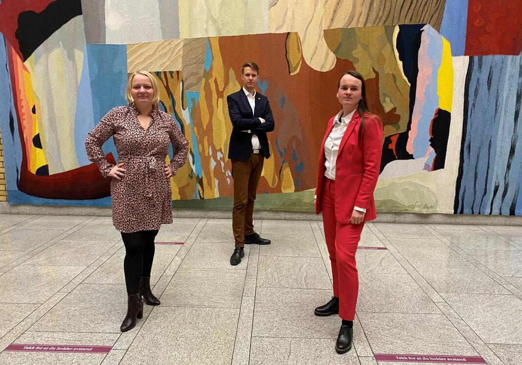 Mona Fagerås, Torstein Tvedt Solberg og Marit Knutsdatter Strand tok et oppgjør med Guri Melby i spørretimen.