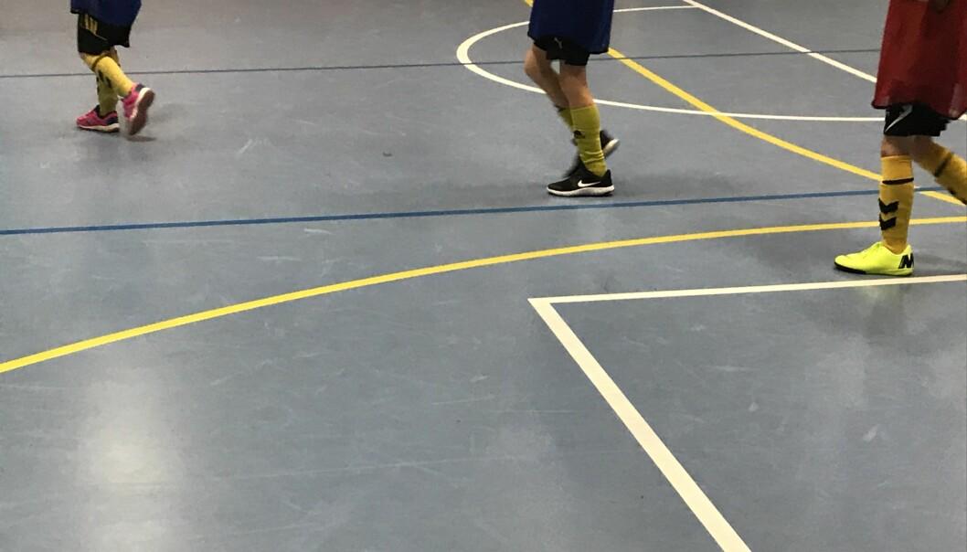 Barn og unge som driver innendørsidrett har ikke fått trent på flere måneder. I dag kan det komme lettelser som gjør det mulig igjen.