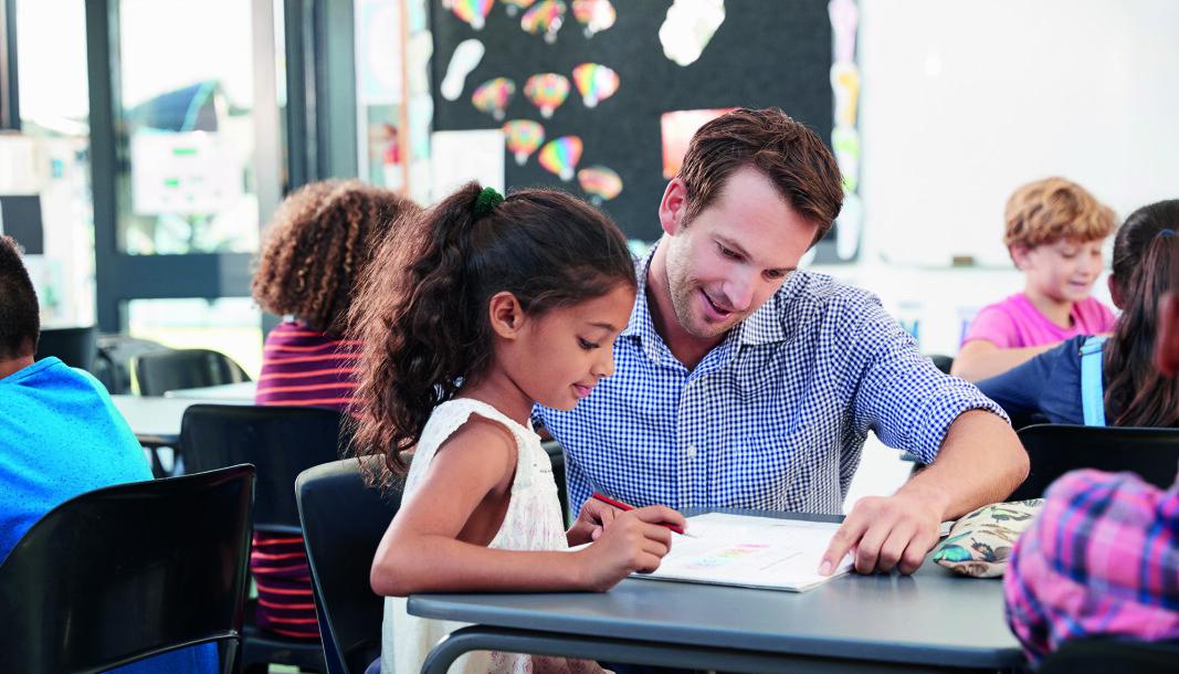 Artikkelforfatterne i denne artikkelen fra Spesialpedagogikk skriver at i et vanlig klasserom må elever med dysleksi kanskje vente i lange perioder på å få den hjelpen de trenger.