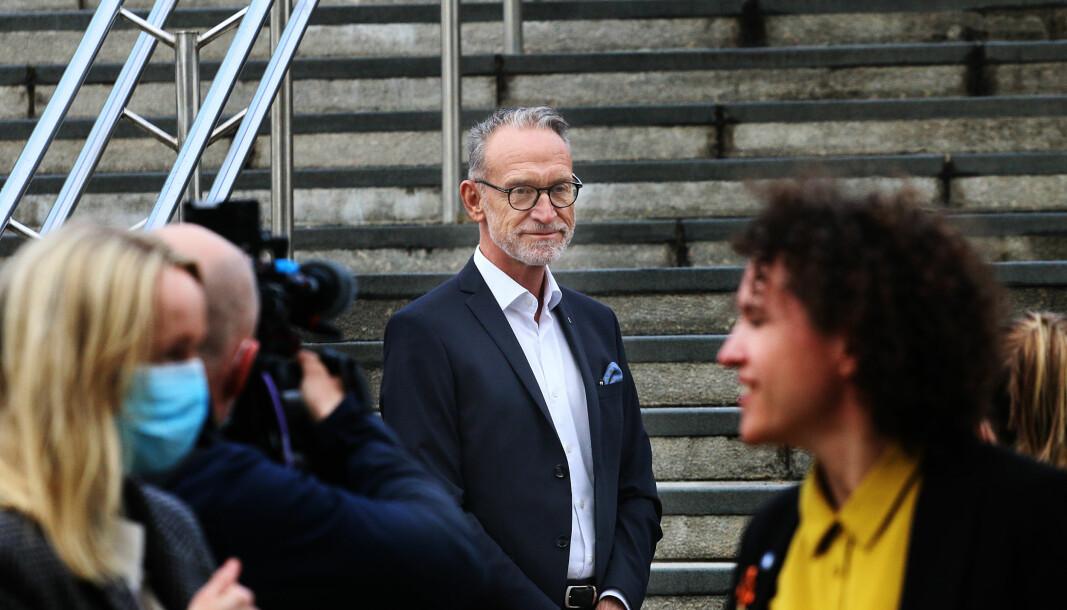 Tor Arne Gangsø, direktør for arbeidsliv i KS sier at de først fire timer etter møtet hos statsråden fredag, fikk oversendt skriftlig bekreftelse på at de streikende ved Frevar avfallsanlegg fikk dispensasjon.