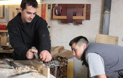 Dosent på yrkesopplæringen: – Skeptisk til at elevene skal kunne fullføre for enhver pris