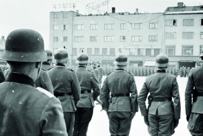 Tyske soldater på Østre torg i Hamar under andre verdenskrig.
