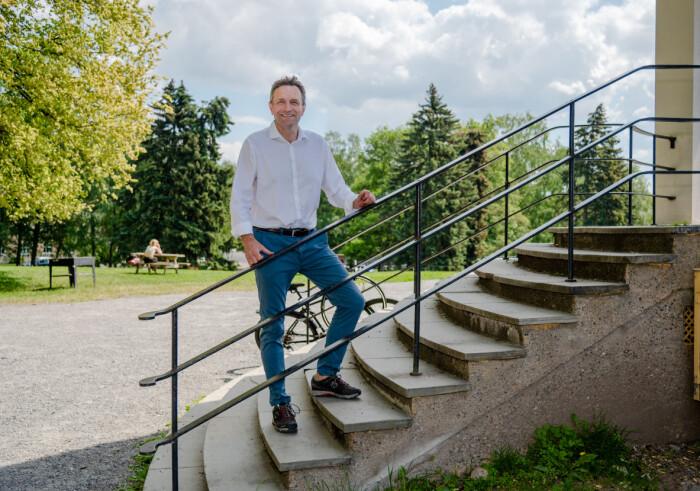 Torshovparken midt i Oslo er et sted Arild Hermstad liker seg. Gode utearealer for barn er en av sakene han vil kjempe for. Foto: Joakim S. Enger