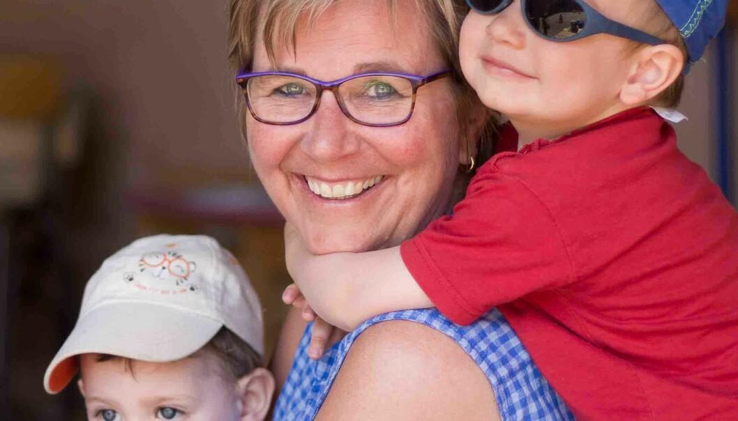 -Hverdagstøyet til norske barnehagebarn, forbinder søreuropeerne med skiferier, sier Torhild Cascales (54). Hun er norsk barnehagelærer i Valence i Sør-Frankrike og har sørget for at Marvin (3) (f.v.), Gabin (2) har fått arve parkdresser fra Norge.