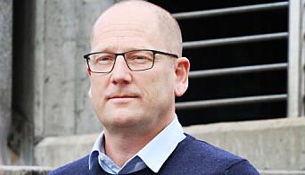 - Det hadde både vært enklere og sikrere om regjeringen hadde prioritert lærerne i vaksineringskøen, mener Utdanningsforbundets leder Steffen Handal.