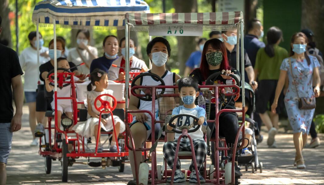 Kinesiske myndigheter mener at landets yngste skoleelever må få oppleve litt mindre press.