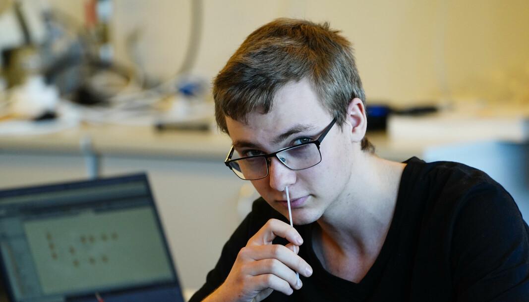 Ørvar Andreas Heggelihaugen ved Kuben videregående testet seg for korona på skolen før sommeren. Nå setter kommunen igjen igang med massetesting.