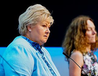 Solberg: Ber kommuner med høy smitte vurdere gult nivå i skolene