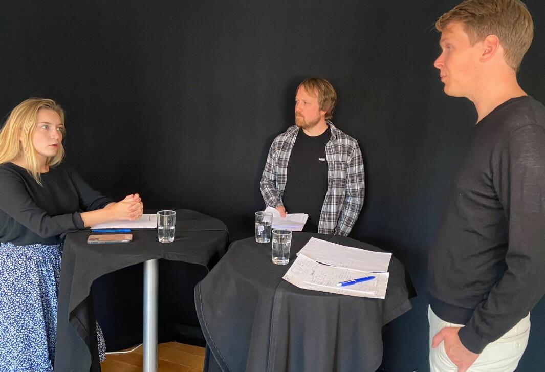 Det ble temperatur i studio da Torstein Tvedt Solberg (Ap) og Mathilde Tybring-Gjedde (H) møttes til valgduell hos Utdanningsnytt. Journalist Jørgen Jelstad (midten) ledet duellen.