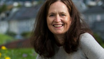 Studieprogramansvarlig Margareth Eilifsen ved Høgskulen på Vestlandet sier utdanningene må bli flinkere til å legge til rette for at 20-åringer som allerede jobber i barnehagen, kan ta utdanning samtidig.