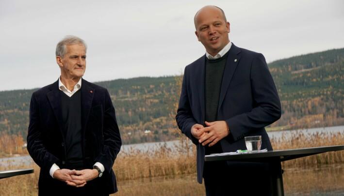 Den nye regjeringen vil stille andre kompetansekrav til lærere varsler Støre og Vedum.